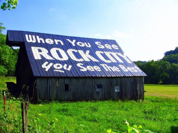 The idea to paint barns came during the Great Depression: if a farmer was willing to advertise for Rock City, he/she could get a free paint job. Photo: Flickr user brent_nashville via CC.